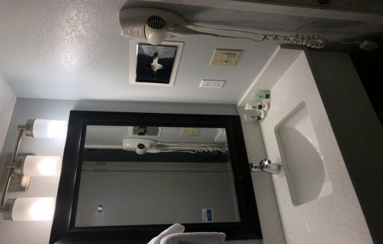 Welcome To The Sand Dollar Inn - Vanity Area